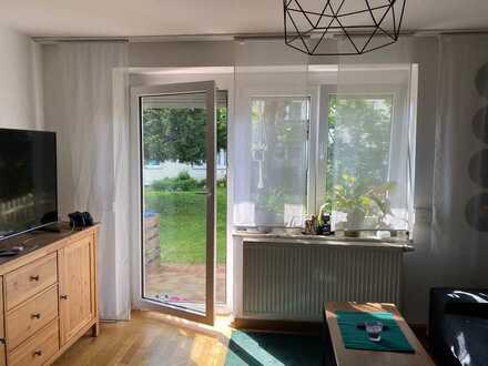 Sonnige, modernisierte 2-Zimmer-EG-Wohnung mit Balkon und EBK in Lindenberg
