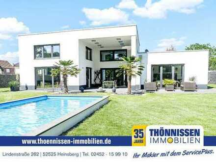 Stylische Bauhausvilla in Südlage – edel im Design, formschön und elegant