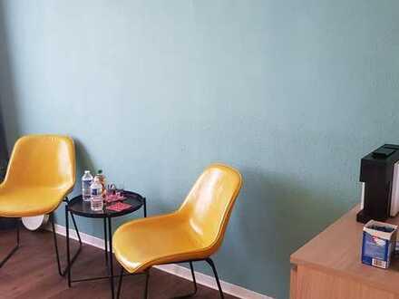 Exklusive, vollständig renovierte 1-Zimmer-Wohnung mit Pantryküche in Karlsruhe