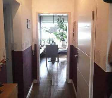 3 Zi-Wohnung mit EBK, Balkon, Garage und Garten