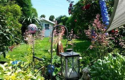 SIE suchen ein schönes Zimmer, traumhafter Garten und nette Gesellschaft, na dann schauen Sie mal!