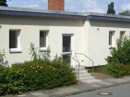 Geräumige Wohnung im Erdgeschoss mit Terrasse!