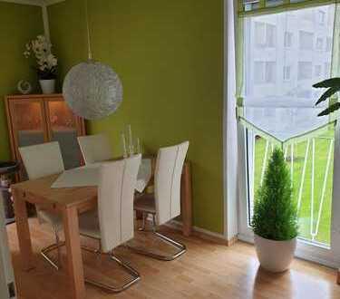 helle 3 Zimmer Wohnung mit 2 Balkonen