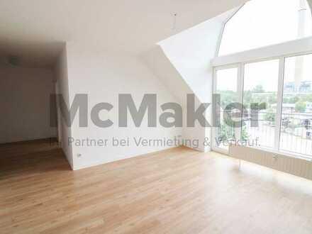 Direkt am Stadtpark: Vermiete 2-Zi.-DG-Wohnung mit Ost-Balkon und TG-Stellplatz