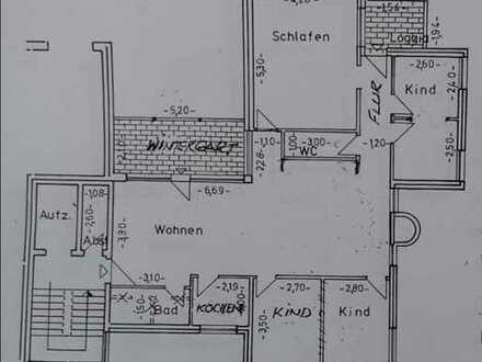 Schöne 5 - Zimmer - Eigentumswohnung mit Balkon und 5 TG-Stellpl., ideal für Familie mit Kindern
