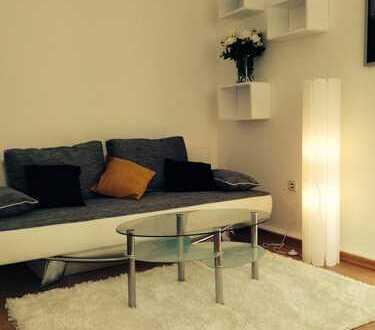 1 Zimmer 30 qm 360 €