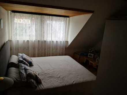 Ansprechende 3,5-Zimmer-DG-Wohnung mit Einbauküche in Dortmund