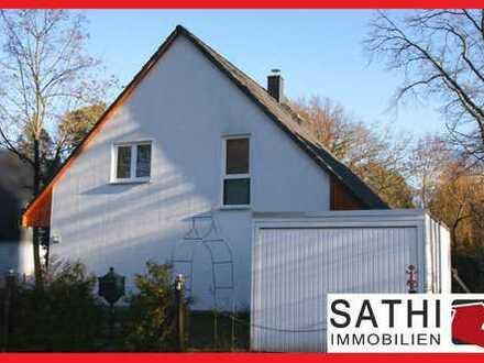Wohnen mit S-Bahn-Anschluss: Einfamilienhaus mit Holzbalkendecke, Fußbodenheizung und Garage!