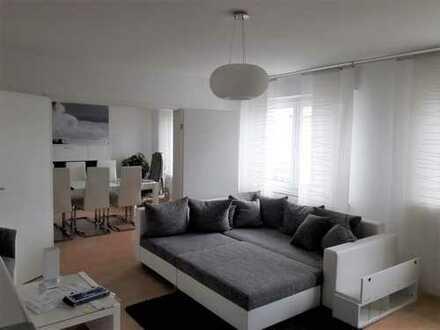 Schöne Wohnung mit Balkon, EBK und Stellplatz zentral in Steinheim
