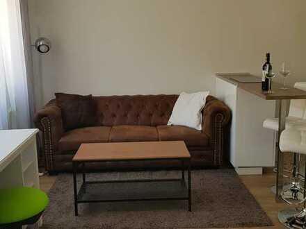 Stilvolle, neuwertige 1-Zimmer-Wohnung mit Balkon und EBK - flexibler Einzug Mgl.