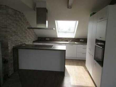 Neuwertige 3-Zimmer-Dachgeschosswohnung mit Einbauküche in Hardheim