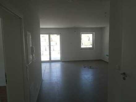 Erstbezug mit Terasse: attraktive 2,5-Zimmer-EG-Wohnung in Fridolfing