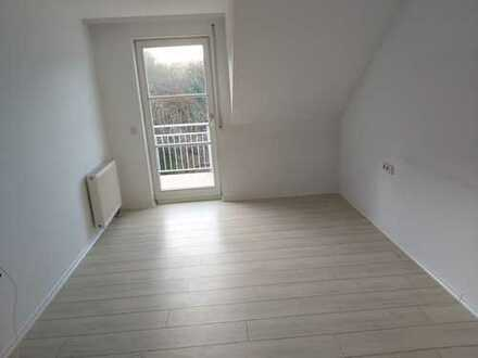 Sehr schöne 5-Zimmer-Wohnung mit Balkon und EBK in Rottenburg