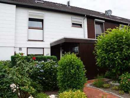 Gepflegtes Reihenhaus mit Garage in ruhiger Wohnlage, Bremen, Arbergen