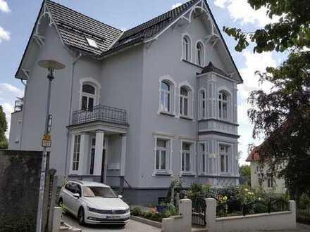 Erstbezug nach Sanierung mit Einbauküche und Terrasse: attraktive 2-Zimmer-DG-Wohnung in Lüdenscheid