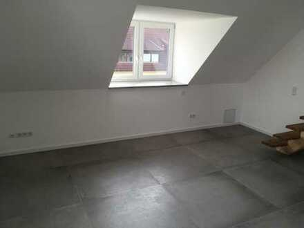 Erstbezug: exklusive 2-Zimmer-DG-Wohnung mit Balkon in Günzenhausen