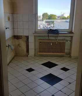 3 Zimmer, Küche, Diele, Bad und Balkon