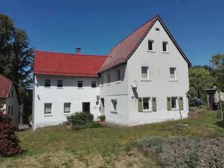 Freistehendes Einfamilienhaus mit Einliegerwohnung am Ortsrand von Waldenburg