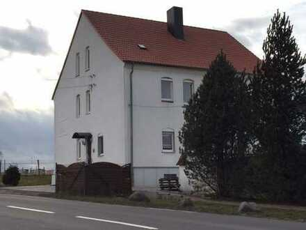 Oppin / gemütliche 3 Zimmer Whg. mit Wanne / Stellplatz zu vermieten!