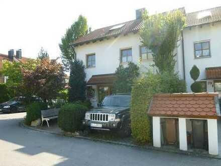 Großzügiges Reihen-Eckhaus in Friedberg-Stätzling.