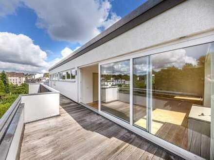Großzügig zugeschnittenes Penthouse mit mehreren Balkonen und Garage in Hanbruch