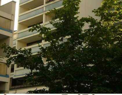 Sanierte 1-Zimmer-Wohnung mit Terrasse / Nähe Uni