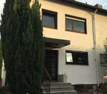 Schönes, geräumiges Haus mit fünf Zimmern in Wetteraukreis, Bad Vilbel