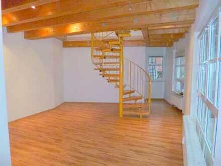 Wohnen in schicker 4Z Maisonette-Wohnung mit Terrasse über den Dächern von Kitzingen