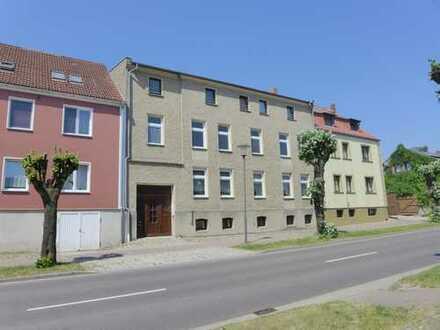 Mieten in Altentreptow, großzügige 2-Zimmer-Wohnung