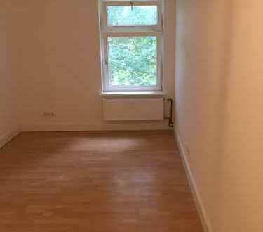 Vollständig renovierte 2-Zimmer-Wohnung mit EBK in Eppendorf, Hamburg