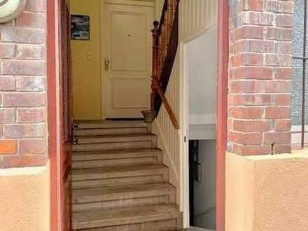 helle 1 1/2 Zimmer DG-Wohnung in der Taubenheimstr. inkl. Stellplatz