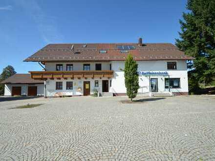 Wohn- u. Geschäftshaus in Neukirchen