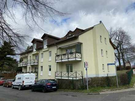 **Dachgeschoss neu saniert - mit Loggia, TG und EBK möglich**