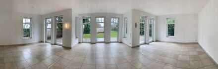 Single modern elegant house - ideal to International School