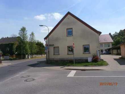 Bild_geräumige 2-Zimmer-Wohnung im EG mit ca. 74 m²