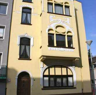 Schnuckelige Altbauwohnung mit Balkon