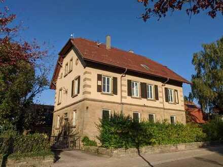 Wunderschönes Forsthaus mit großem Grundstück und Nebengebäuden