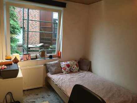Flexibler Einzug ab März; gemütliches Zimmer mit 2 Badezimmer und großem Wohnzimmer