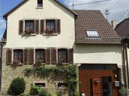 Odenheim! Kleines individuelles Einfamilienwohnhaus mit viel Charme.