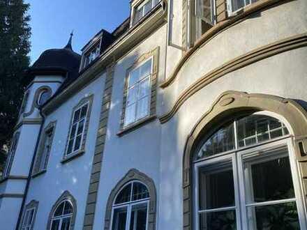 Dachgeschosswohnung in Jugendstilvilla in der Bergstraße