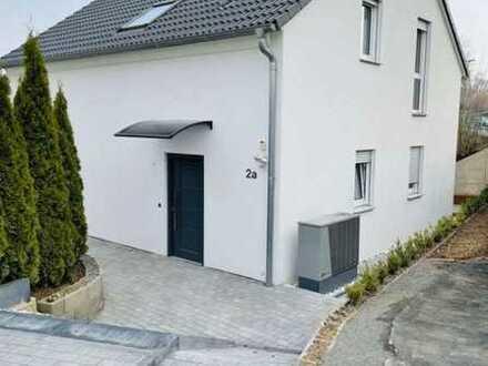 1700 € - 130 m² - 4.0 Zi.