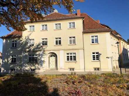 Geräumige Altbau-Wohnung mit Gartenteil in Bückeburg...