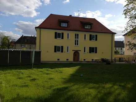 Hoch hinaus - moderne 3-Zimmer-DG-Wohnung in Untermeitingen im Altbau-Stil