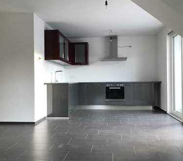 Erstbezug: stilvolle 3-Zimmer-DG-Wohnung mit EBK und Balkon in Esslingen