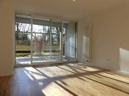 Hermsdorf: Renovierte 4-Zimmerwohnung in gepflegtem Mehrfamilienhaus