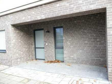 Erstbezug! Büro/Praxis mit separatem Eingang und Einbauküche in Citylage Nähe BTU zu vermieten!