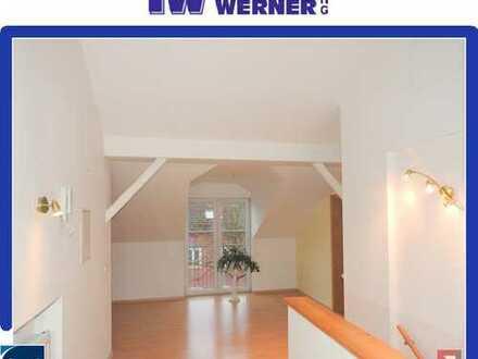 ***Sehr gemütliche, großzügige 3-Zimmer-DG-Wohnung in Rosenheim nördlich vom Zentrum***