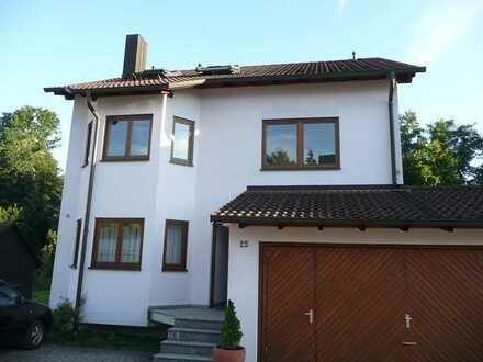 Tolle 2-Zimmer-Dachgeschosswohnung mit Einbauküche in Dettenhausen