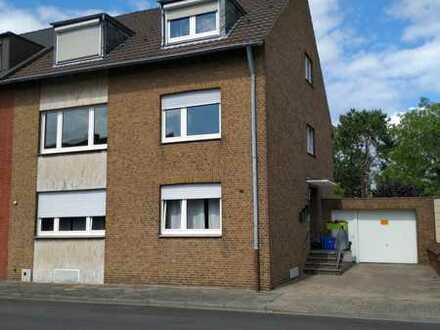 Geräumige 3 Raum Wohnung mit Balkon -Neuwerk 41066 MG