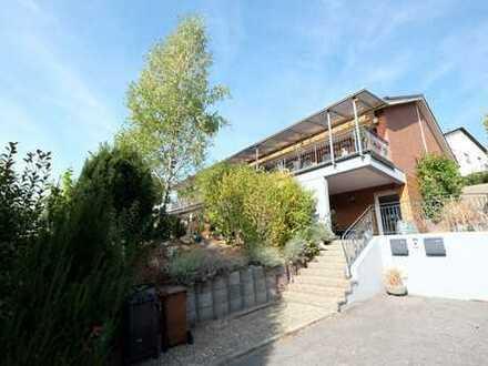 Schönes Einfamilienhaus mit Einliegerwohnung in Heppenheim / Ober-Laudenbach !!
